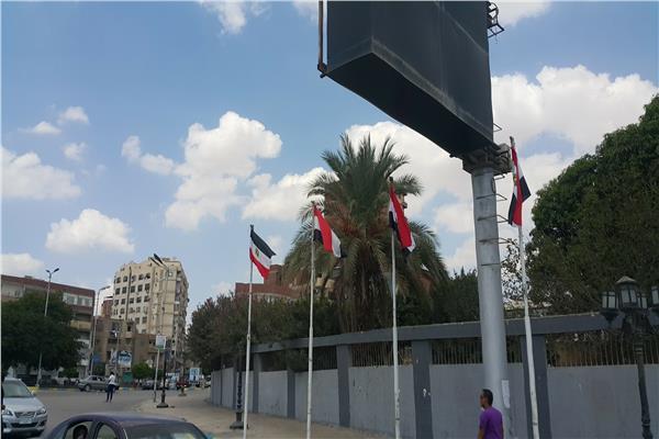 علم مصر بـ«المقلوب» في الإسماعيلية.. ومواطنون: حققوا مع المسئول