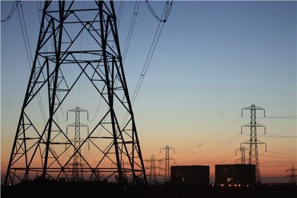 الكهرباء: فصل التيار عن مناطق بمحافظتين بسبب الإصلاحات