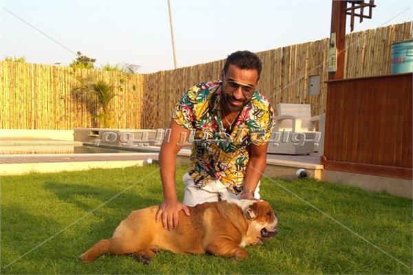 أحمد فهمي في منزله الجديد