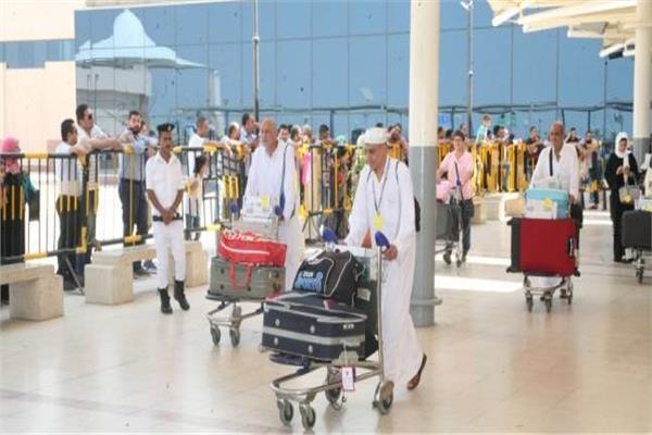 مصر للطيران تسير 32 رحلة جوية اليوم وغداً لعودة الحجاج