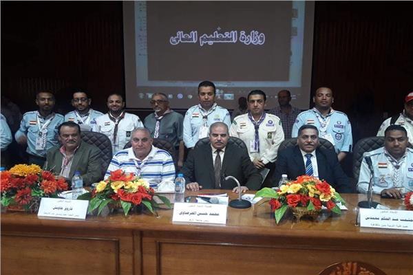 رئيس جامعة الأزهر لشباب الجامعات: المشاركة في تنمية المجتمع واجب وطني