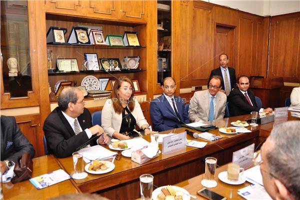 وزيرة التضامن خال لقائها مع رئيس وأعضاء جمعية رجال أعمال الإسكندرية