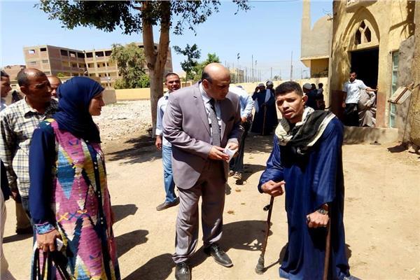 رئيس مركز مغاغة بالمنيا يتابع اعمال الصيانة بعدد من المدارس
