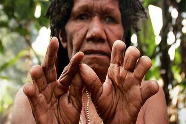 حكايات| نساؤها يقطعن أصابعهن حزنًا.. «داني» قبيلة «تقديس» الموتى