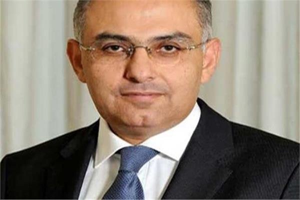السفير أشرف سلطان