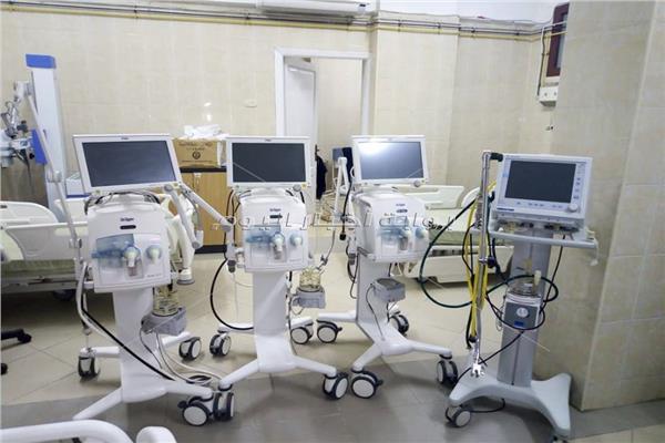 تزويد 10 مستشفيات بأسيوط بعدد 54 جهاز تنفس صناعي