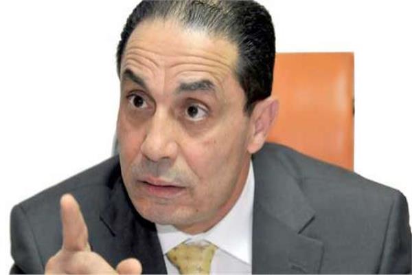 الدكتور سامى عبدالعزيز