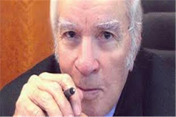 الكاتب الراحل احمد رجب
