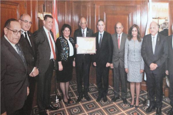 لقاء الوفد البرلماني ووزير التجارة والصناعي القبرصي