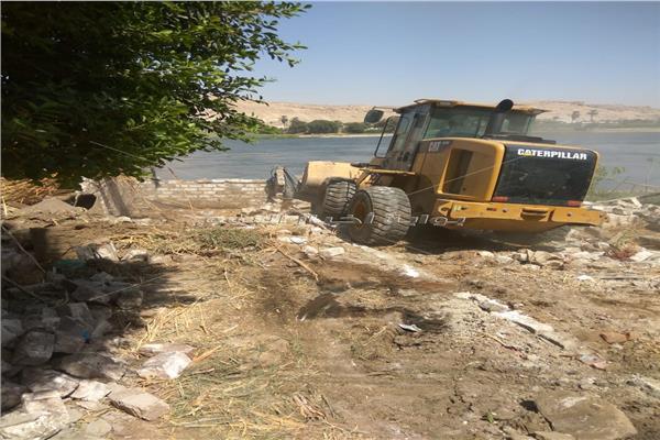 إزالة 680 حالة تعد  على نهر النيل