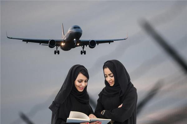 بعد قيادة السيارات| سعوديات في سماء المملكة.. لأول مرة:«مساعدات طيران ومضيفات»