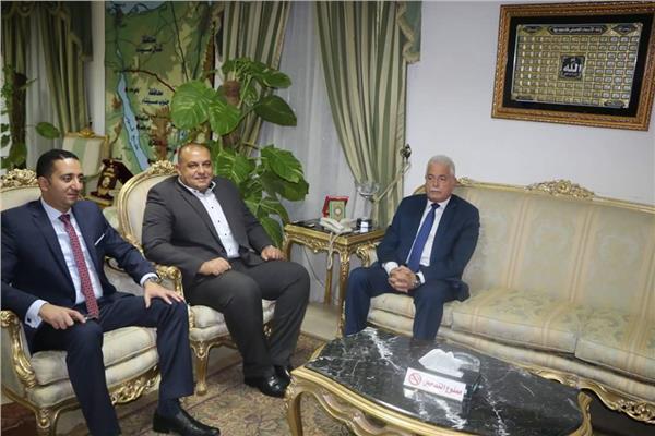 محافظ جنوب سيناء خلال لقائه بالمحامي العام للمحافظة