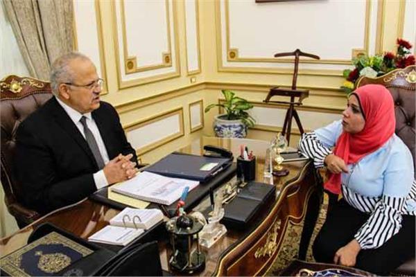 حوار| رئيس جامعة القاهرة: تحية العلم «مُلزمة».. وتخفيض دراسة الطب لـ5 سنوات