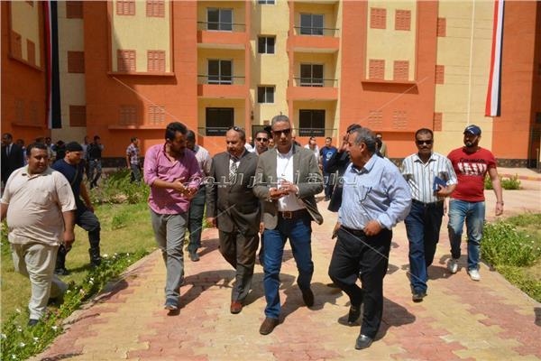 محافظ سوهاج اثناءجولته بمدينة سوهاج الجديدة