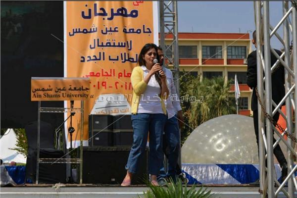 بالصور.. مواهب طلاب «عين شمس» تظهر على مسرح الجامعة