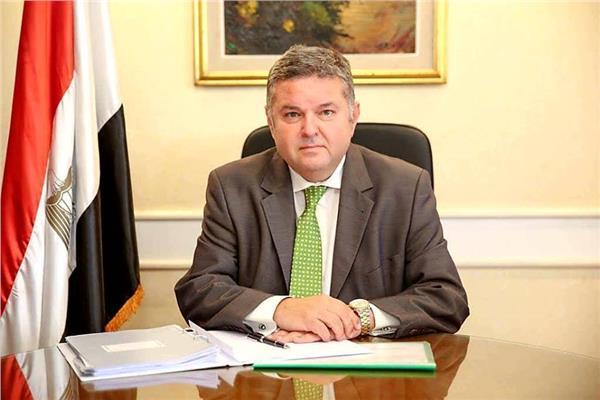 «قطاع الأعمال» تعيين محمد عبد الظاهرمديرًا لمركز المعلومات بالوزارة