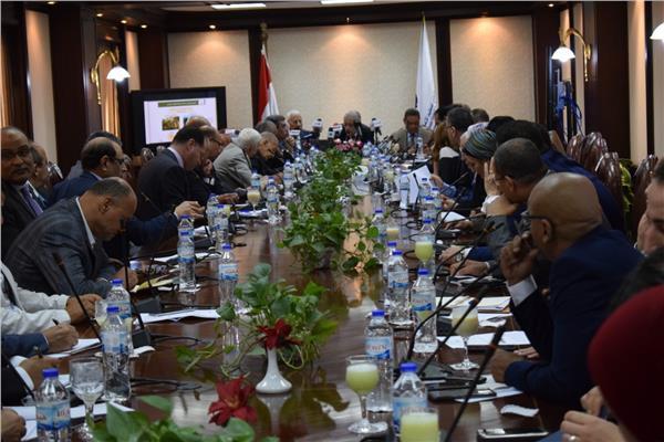 اجتماع وزير التعليم بكبار الصحفيين والإعلاميين