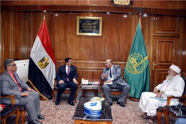 محافظ القليوبية يلتقي رئيس اتحاد الجمعيات الأهلية