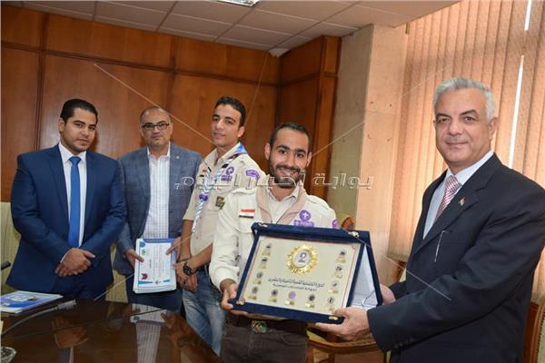«مبارك» يكرم فريق جوالة المنوفية المشارك في الدورة الكشفية بالأزهر