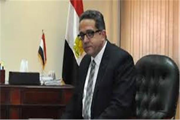 خالد العناني وزير الآثار