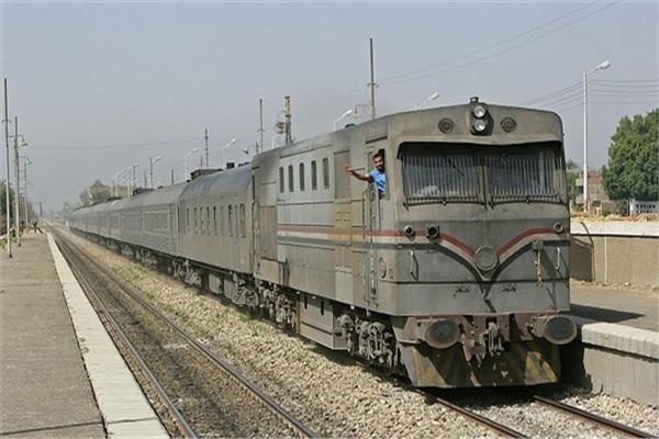 انتظام حركة القطارات بخط القاهرة أسوان- أرشيفية