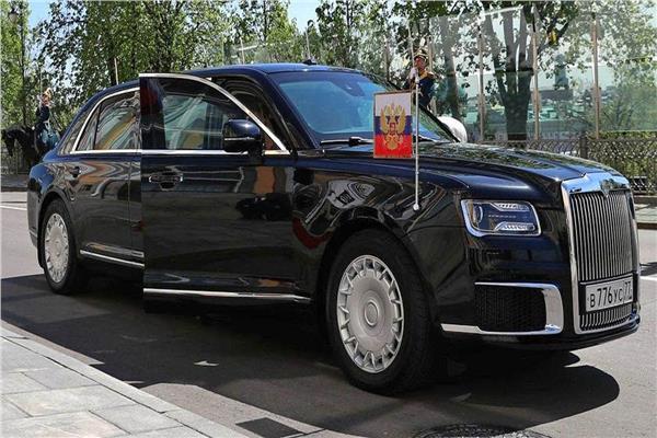 شاهد.. ما لا تعرفه عن سيارة الرئيس بوتين الجديدة
