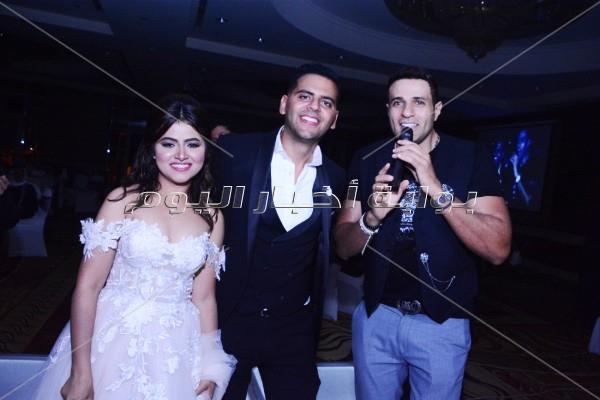 محمد نور مع العروسين