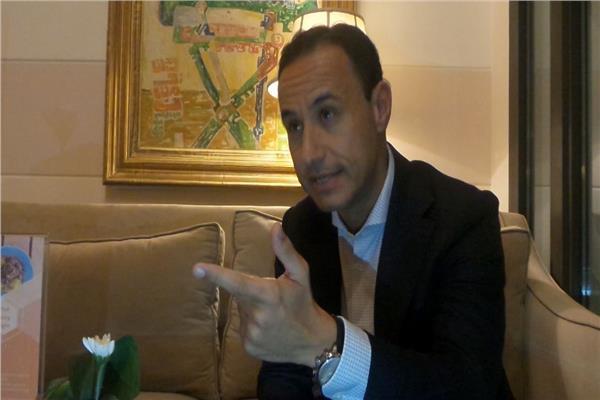طارق عثمان كاتب مصري مقيم في الولايات المتحدة الأمريكية