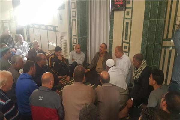 رئيس مجلس المدينة مع المواطنين