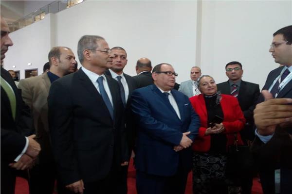 نائب وزير الكهرباء يتفقد «معرض إلكتريكس Electricx»