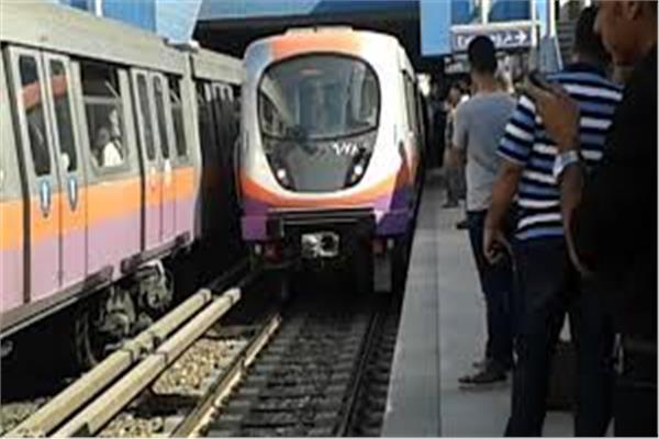 عودة حركة المترو لطبيعتها بالخط الثاني بعد سحب القطار المعطل