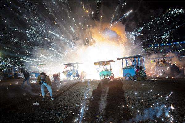 لحظة انفجار منطاد هوائي