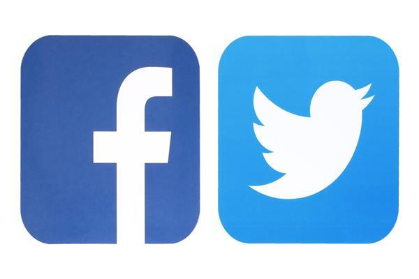 تويتر وفيسبوك