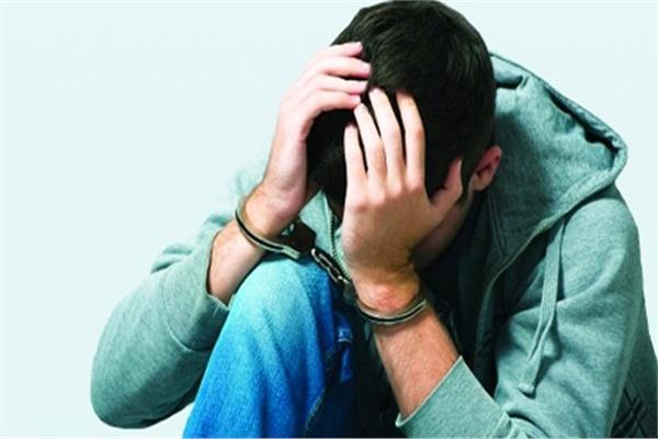 «الأخبار» في دار رعاية الأحداث.. مآسي الصغار خلف القضبان