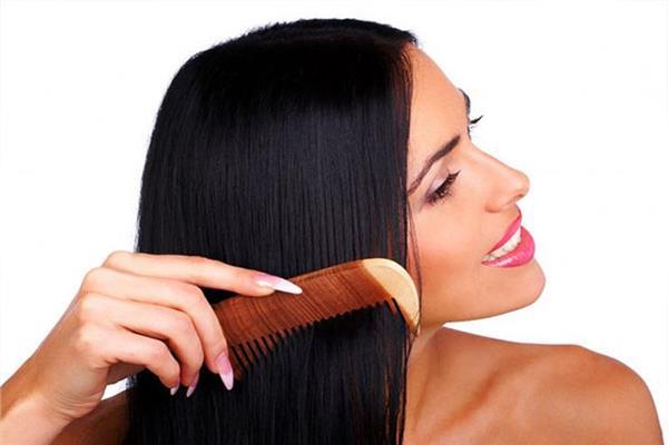 تحذير من «كريمات فرد الشعر»
