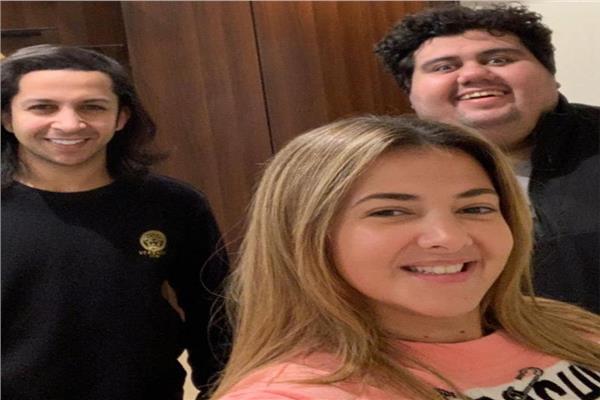 دنيا سمير غانم وايمن وتار وهشام جمال