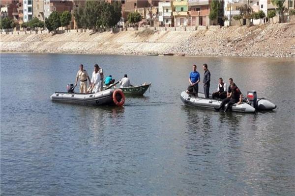 انتحار أب وأطفاله في النيل