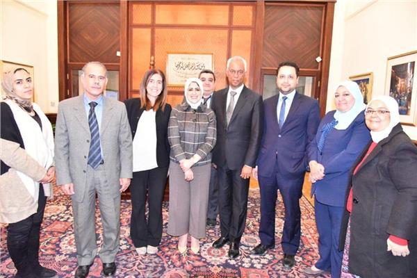 وزير الصحة د. هالة زايد خلال لقائها بوفد البنك الدولي