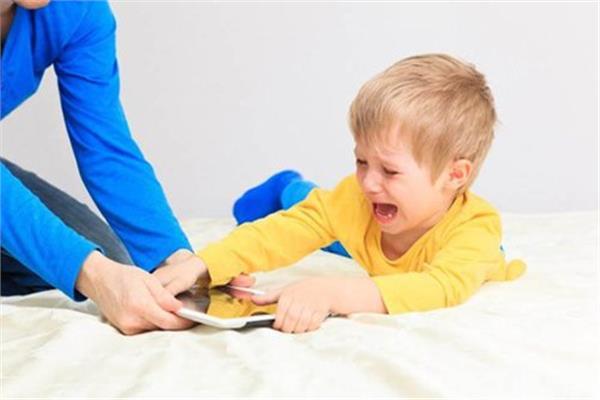 العند عند الاطفال واسبابه وكيفية علاجه