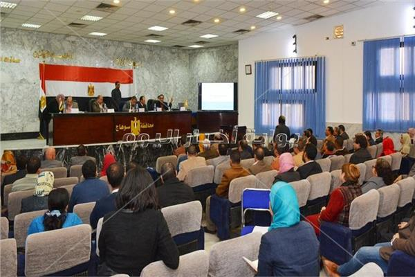 اجتماع بحث مشروعات برنامج التنمية المحلية بسوهاج