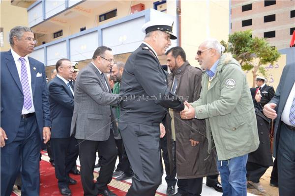محافظ وقيادات الإسكندرية خلال مراسم اطلاق اسم الشهيد مصطفى محمود على مدرسة البيطاش