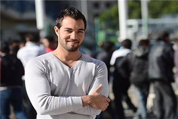 الفنان والمذيع باسل الزارو