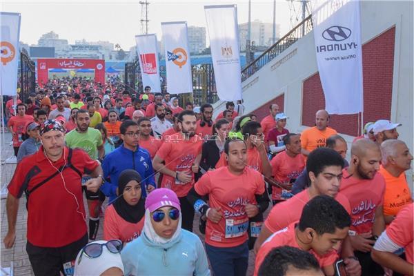 محافظ الإسكندرية يطلق مارثون رياضي بمشاركة ٢٧٠٠ شاب