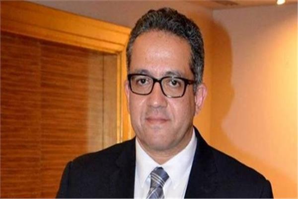 وزير الآثار د. خالد العناني
