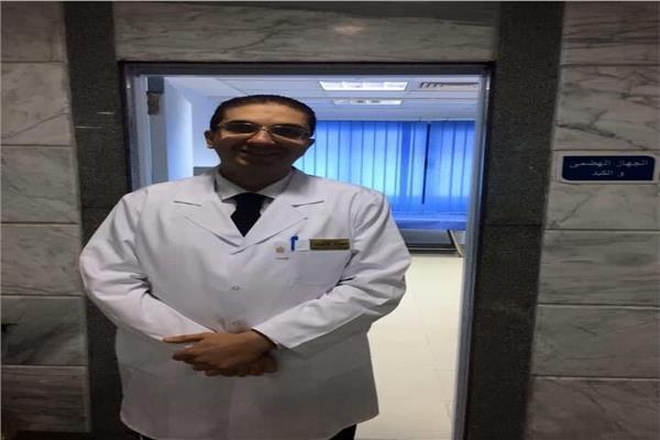 د. أحمد غلوش استشاري الجهاز الهضمي والكبد والمناظير
