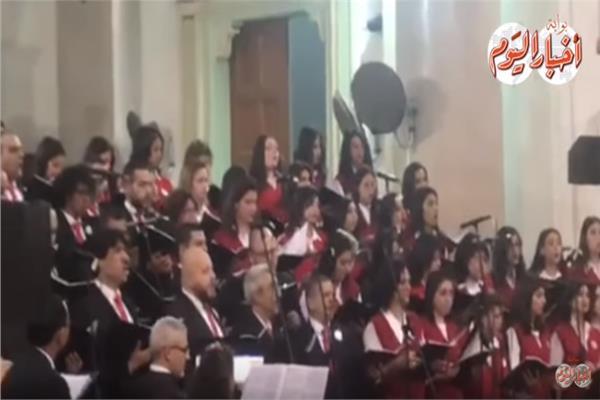 فيديو| «ترانيم الميلاد» استعدادات الكنائس للاحتفال بالكريسماس