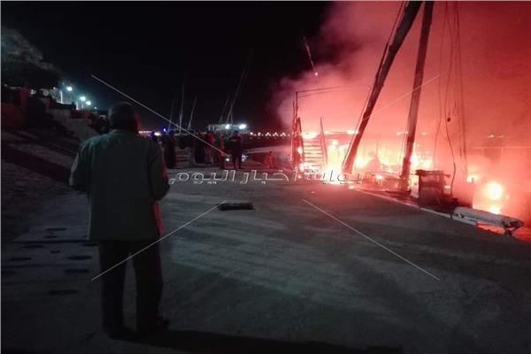 السيطرة على حريق في أحد المراكب المتوقفة بمرسي إسنا جنوب الاقصر