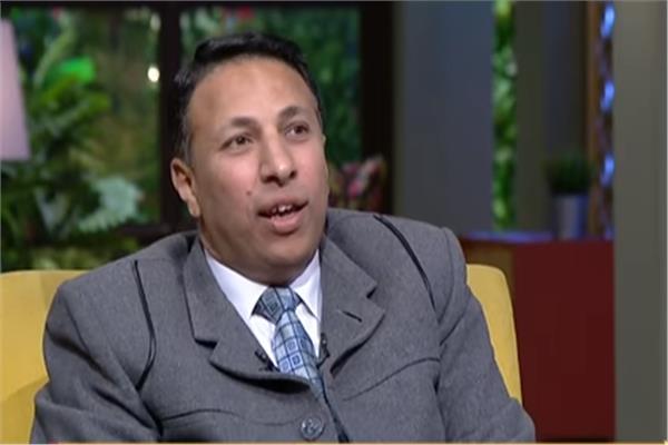 الدكتور أسامة عبد الصادق