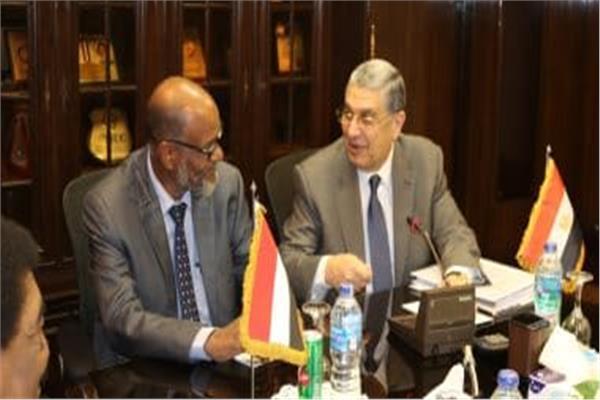 وزير الكهرباء يبحث مع نظيره السوداني سبل دفع التعاون بين البلدين