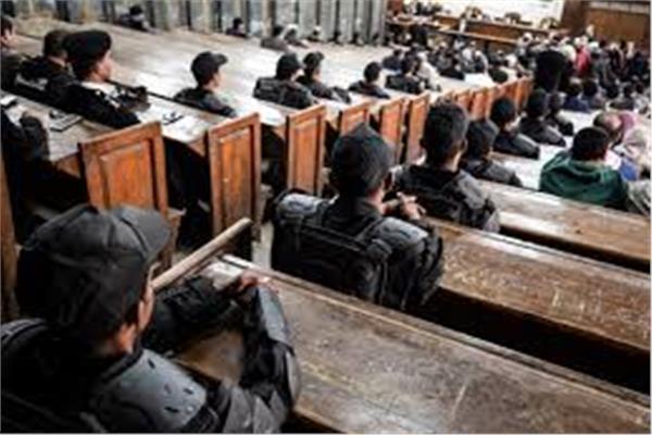 مبارك يواجه المعزول أمام الجنايات في «اقتحام الحدود الشرقية»